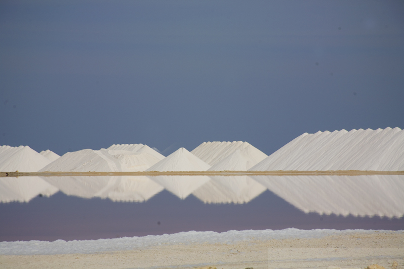 [Image: bonaire-7307-salt-flats-and-reflection.jpg]