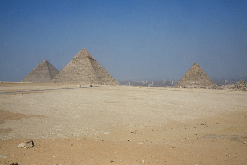 Egypt 4389D pyramids at Giza